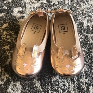Baby Gap rose gold bunny ballet shoes size 8